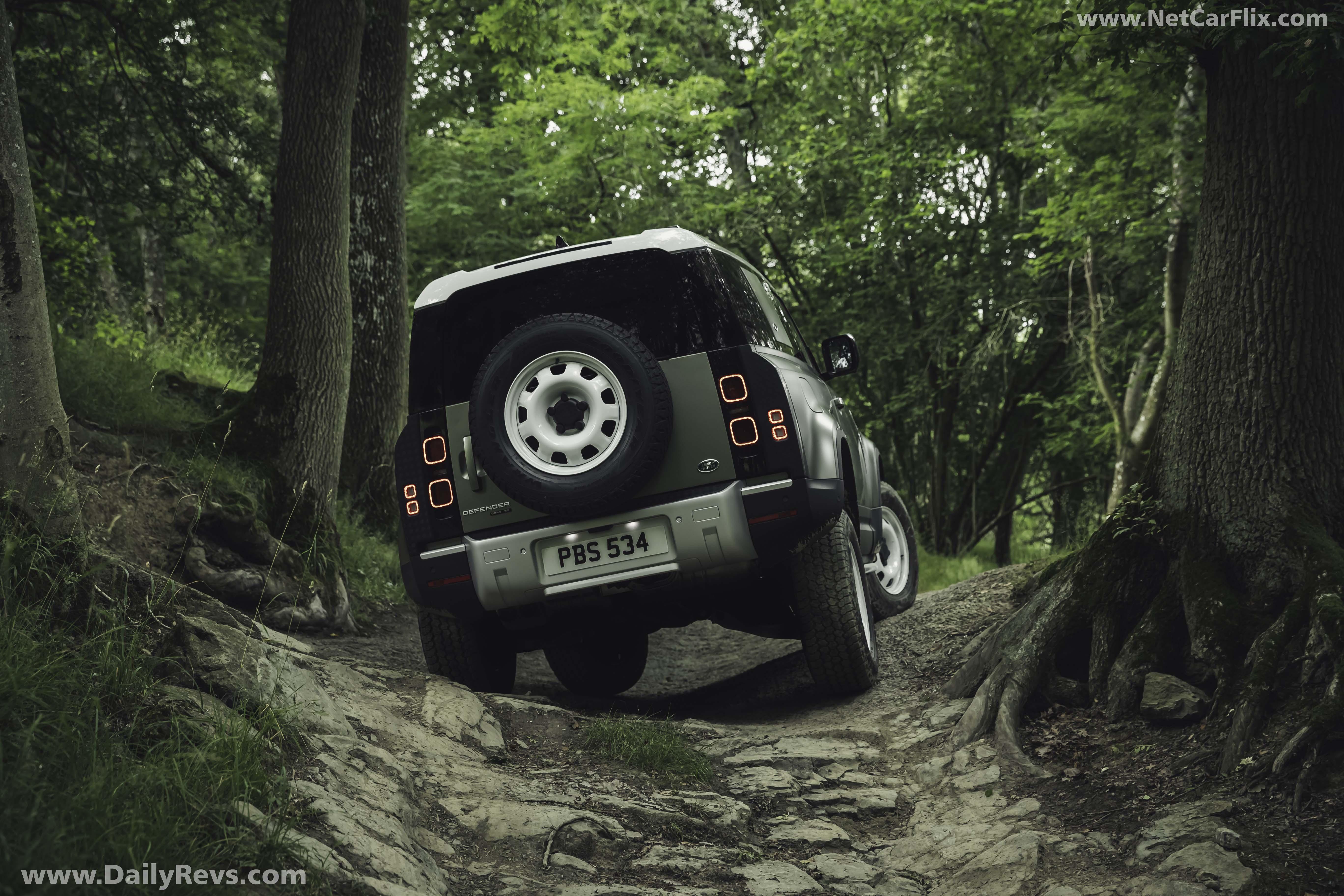 2020 Land Rover Defender 90 full