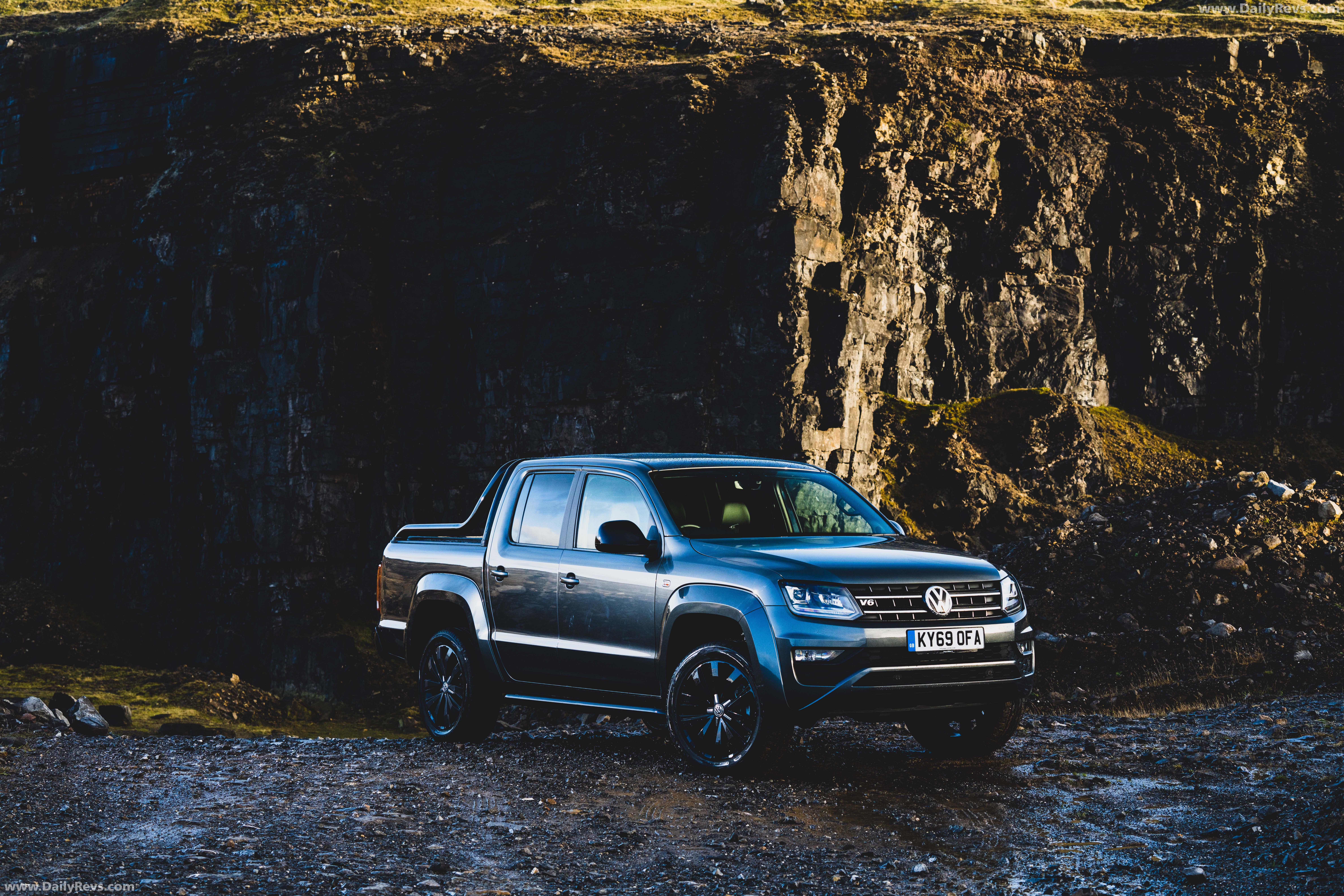 2019 Volkswagen Amarok Black Edition (UK‑Spec) full