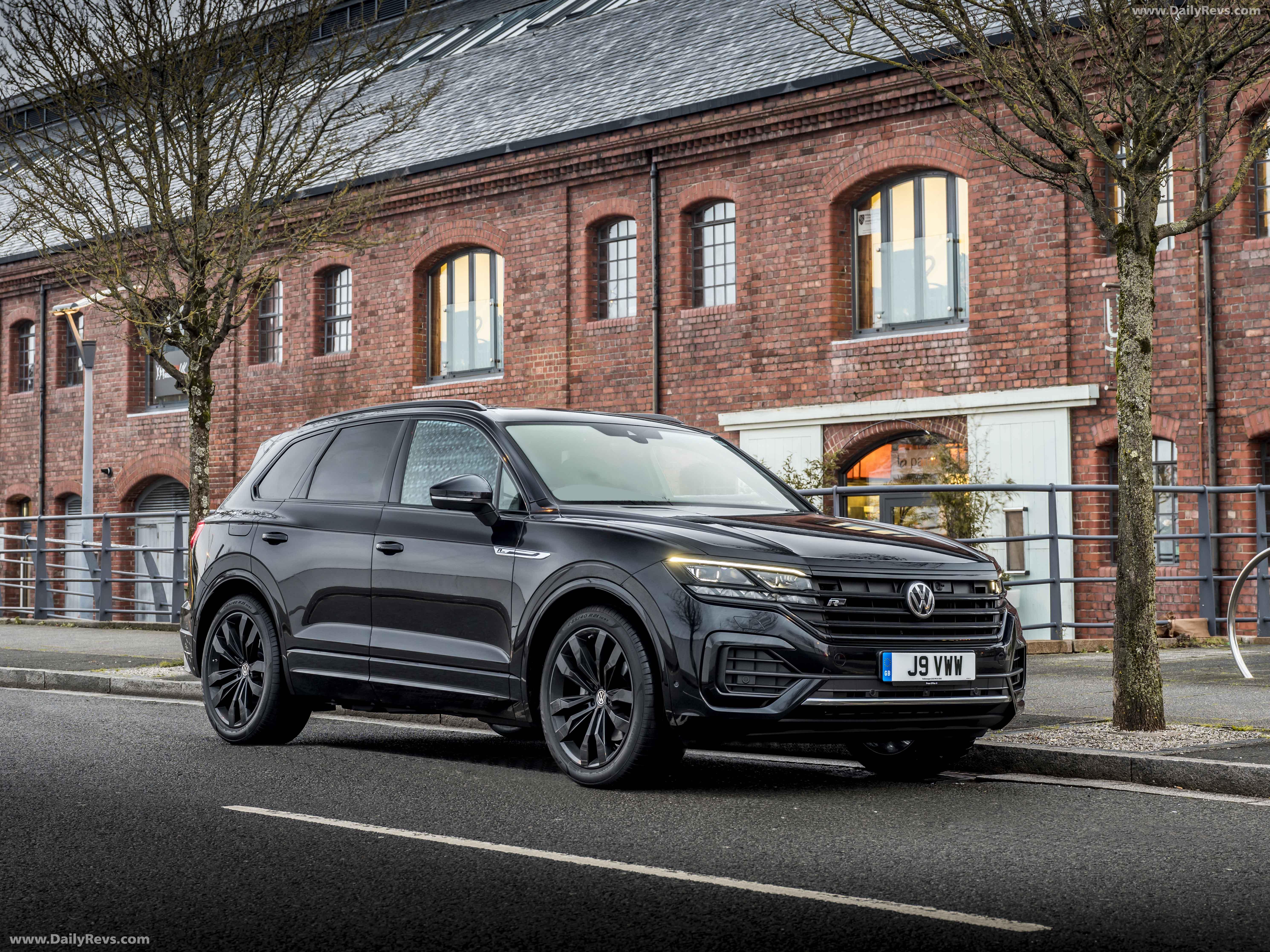 2020 Volkswagen Touareg Review