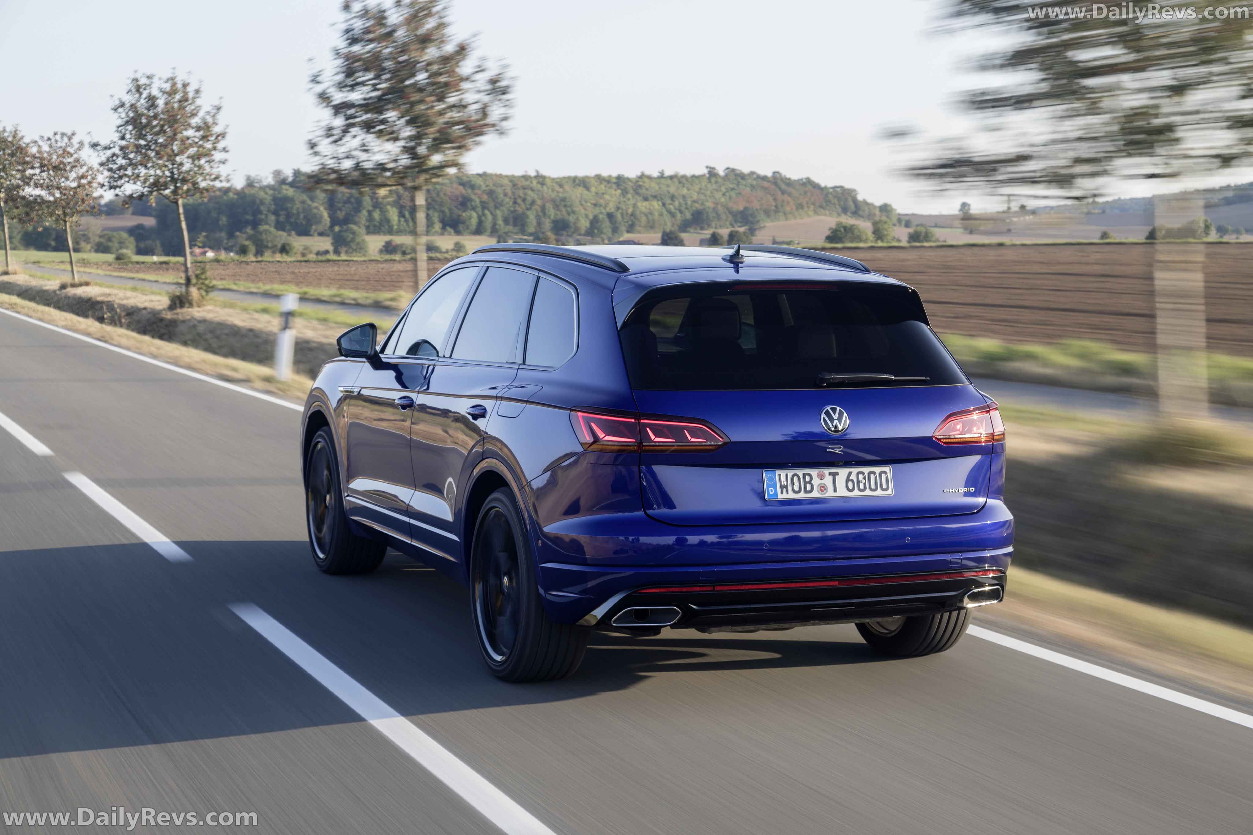 2020 volkswagen touareg r phev hd pictures videos specs information dailyrevs 2020 volkswagen touareg r phev hd pictures videos specs information dailyrevs