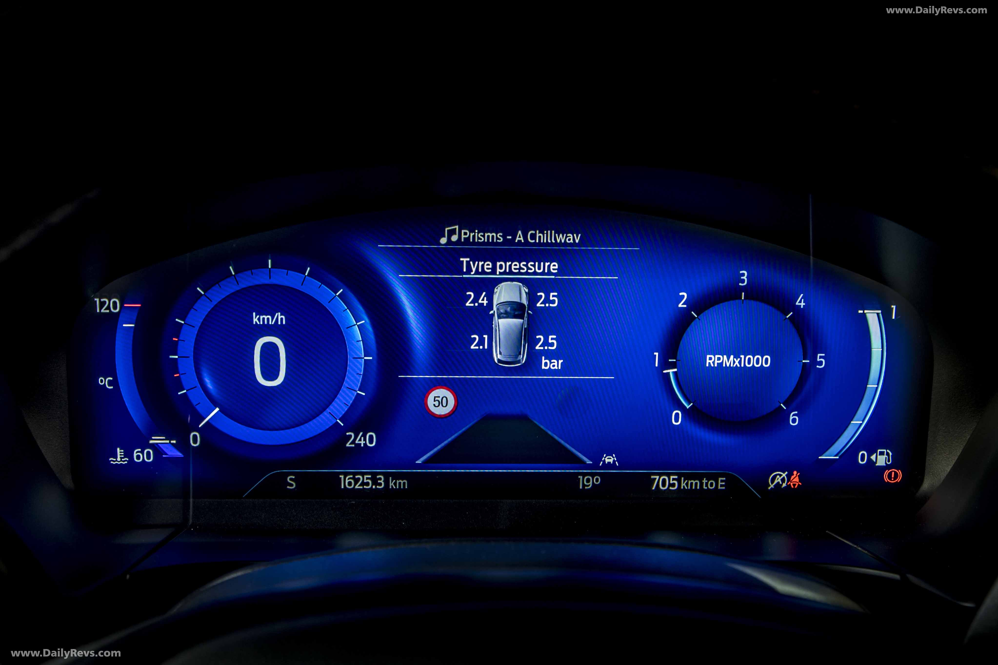 2020 Ford Kuga Vignale Hybrid Hd Pics Videos Specs Info Dailyrevs