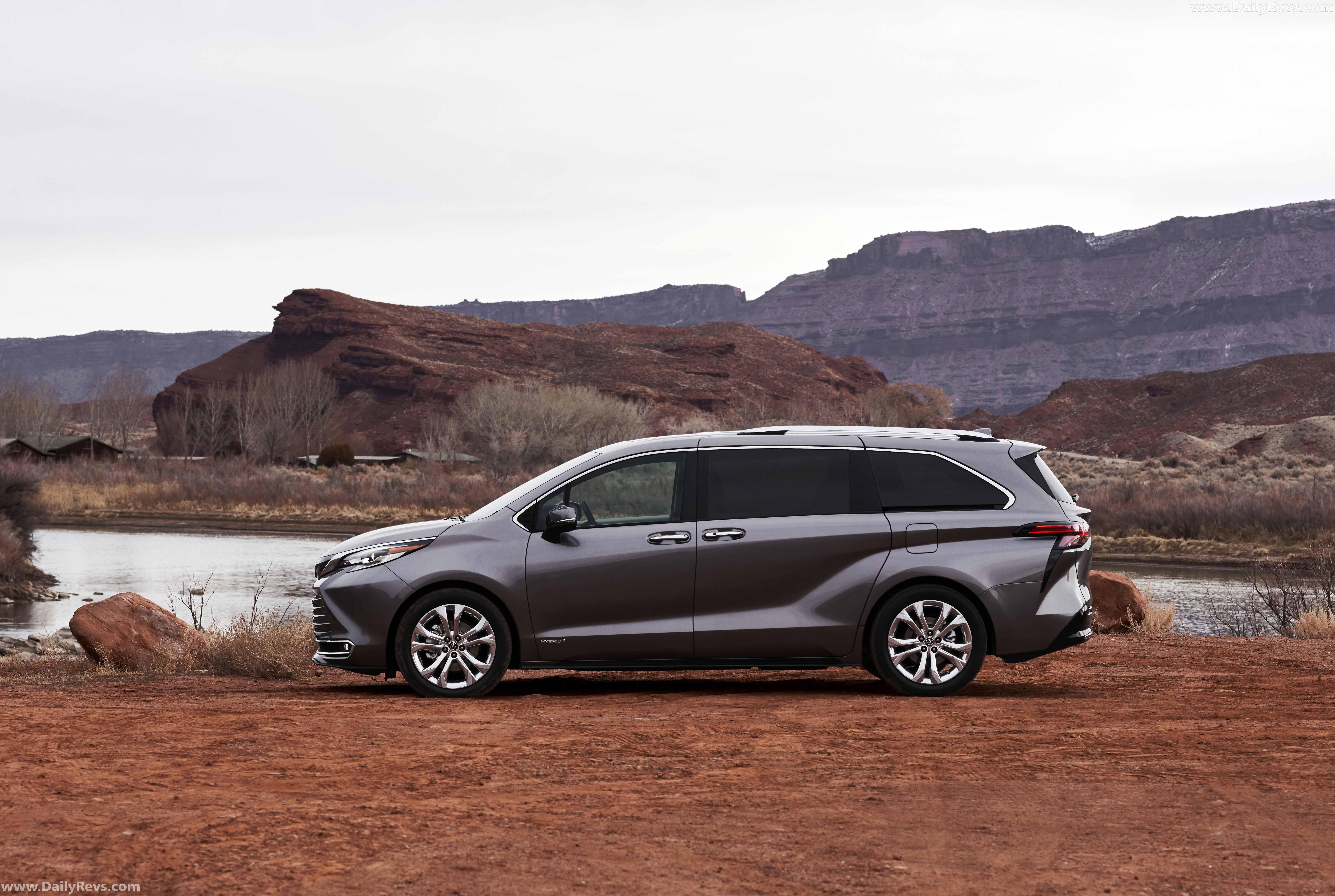 2021 Toyota Sienna Platinum - Dailyrevs