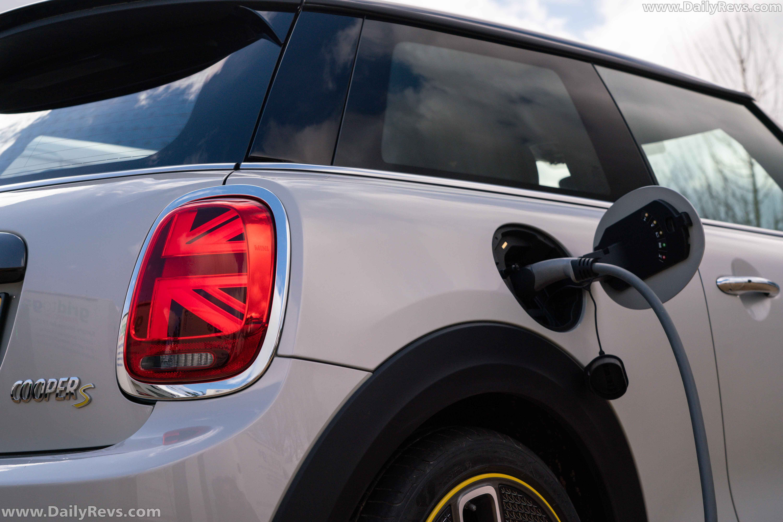 2020 Mini Cooper SE [UK] full