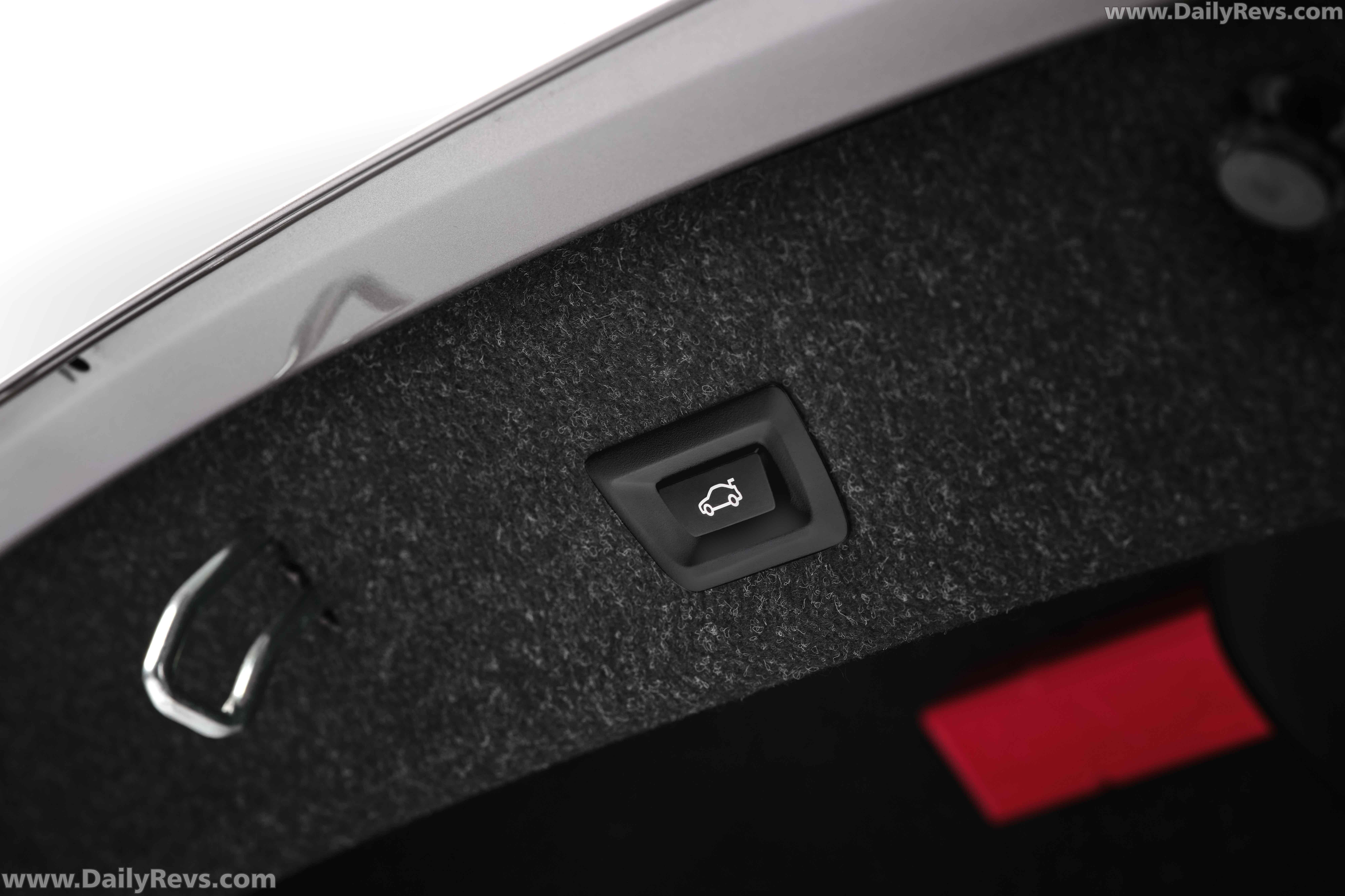 2021 BMW 3 Series Long Wheelbase full