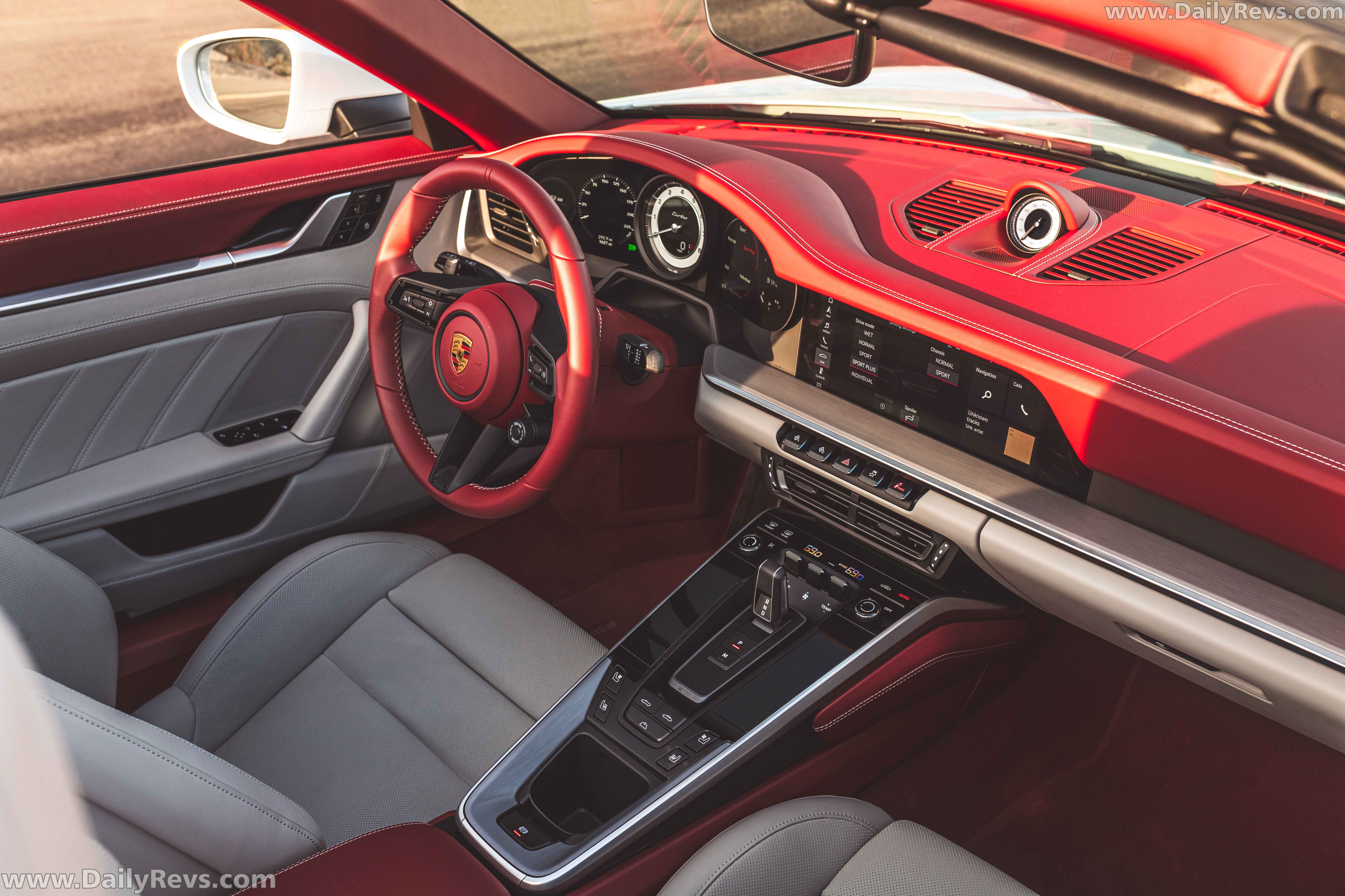 2021 Porsche 911 Turbo Cabriolet Carrera White Metallic full