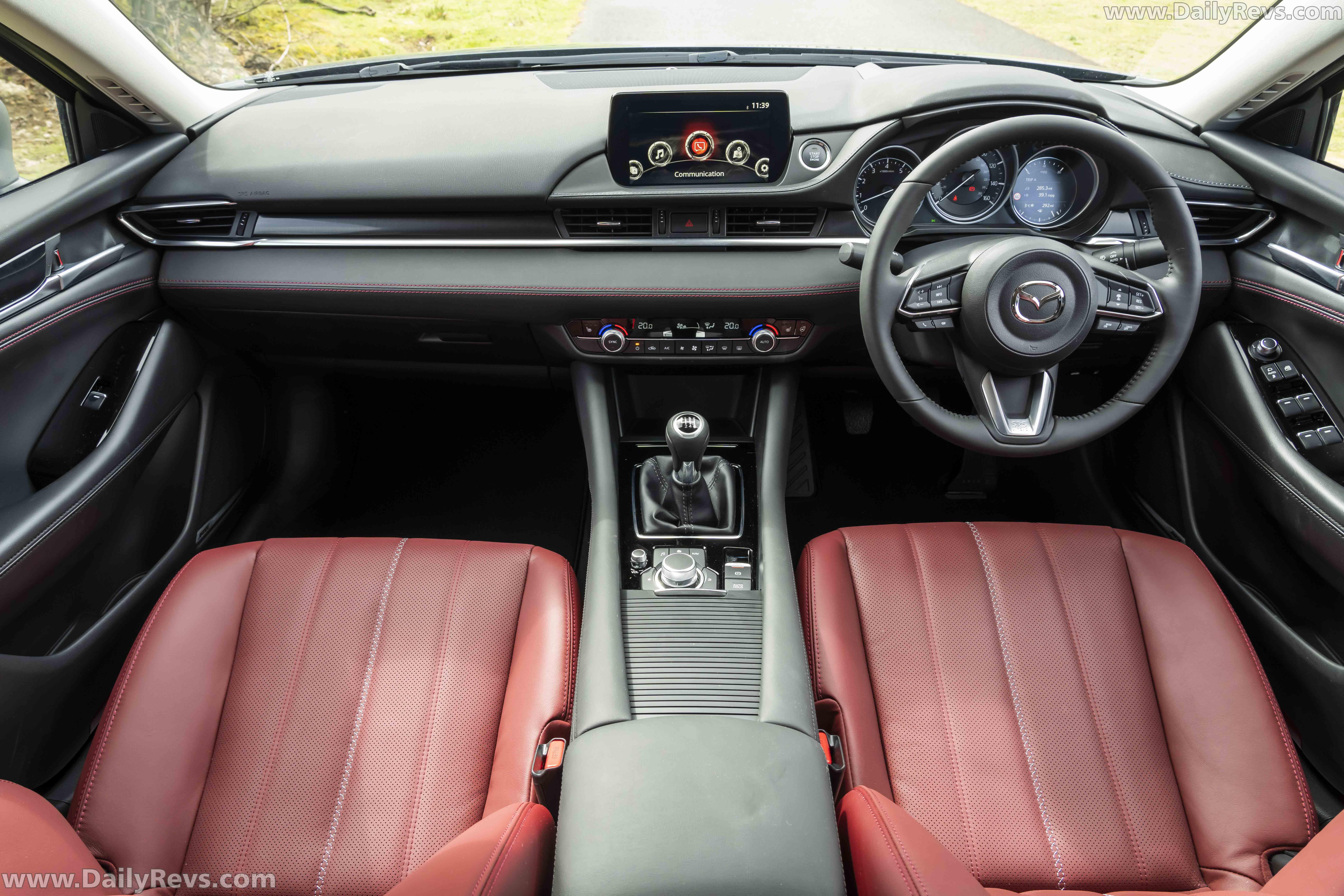 2021 Mazda 6 Tourer Kuro Edition full