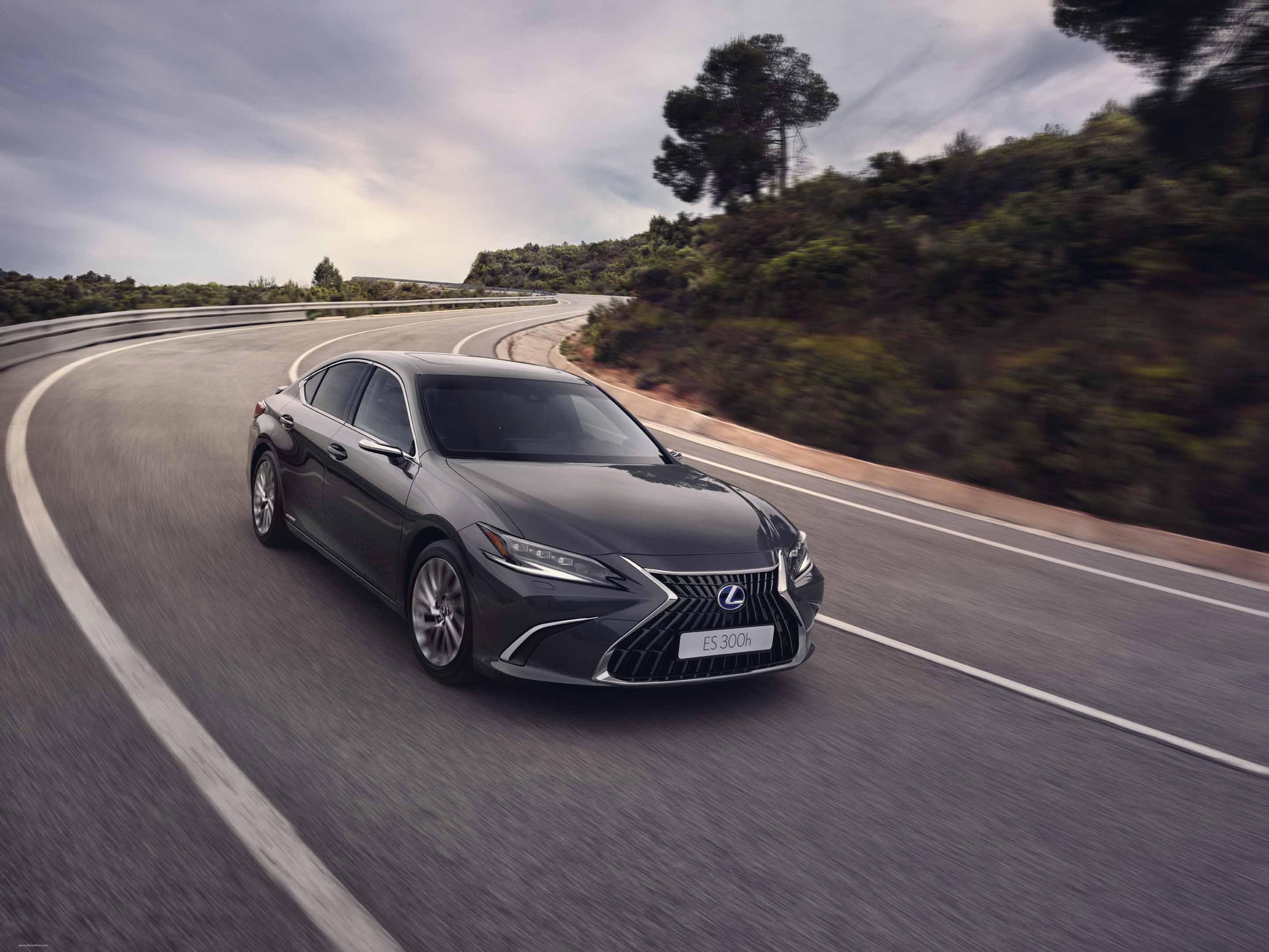 2022 Lexus ES 300h full
